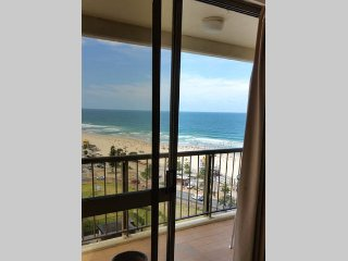 Full Ocean view for 8 people, Surfers Paradise