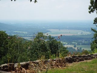 A 3 bedroom home with an amazing and serene view, Monteagle