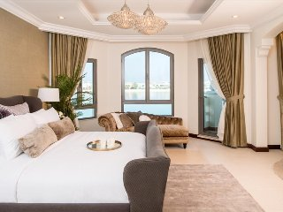 Beautiful 4 Bed Villa, Palm Jumeirah