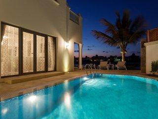 M-48, Stunning 4 Bed Villa, Palm Jumeirah