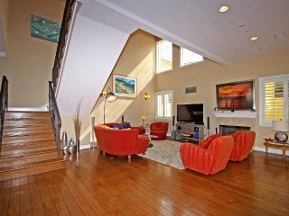 Luxury 4 BR Beach Home, Redondo Beach
