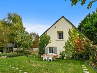 maison Quaint avec jardin verdoyant, Issoudun