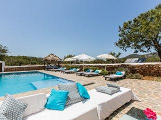 Stunning renovated 7 bedroom country villa, Sant Carles de Peralta