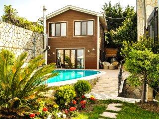 Villa Lake Paradise - Smaill Villa