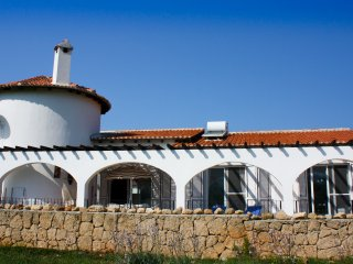 Beautiful villa with outstanding mountain views,