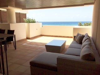 Silver Bay-Panoramic sea views-Luxury apt, Estepona