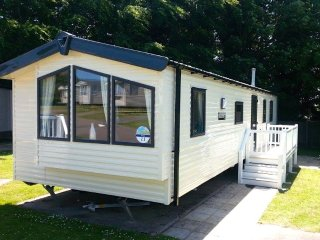 Oliver's Rest, Haven Hopton Holiday Village - Dog Friendly Holiday Home, Hopton on Sea