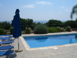 Ellada 2, a Lovely Villa with Beautiful Sea Views!, Kissonerga