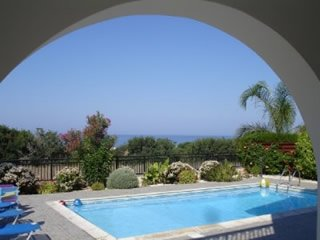 Ellada 1, a Lovely Villa with Beautiful Sea Views!, Kissonerga