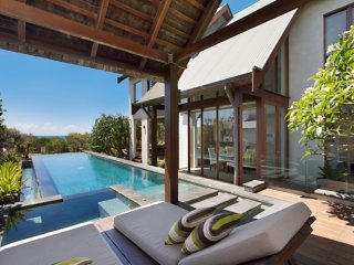 KINGSCLIFF BALINESE BEACHFRONT RETREAT, Kingscliff