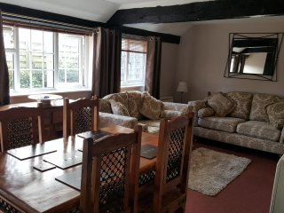 Otters' Lodge: Beautiful 2-bed country cottage close to beaches and attractions