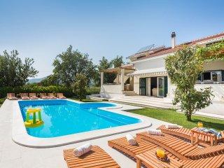 Villa Logan