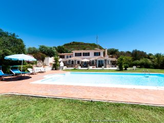 Villa Il Tramonto  Alghero - Private pool -6 bedrooms -5 bathrooms - great views