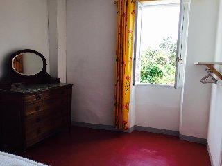 T3 de 75 m2 dans maison de village rénovée à CAVES