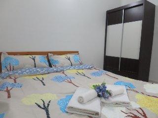 {TT}Welcoming & Cozy Condo Room- 2 (Medium Room)