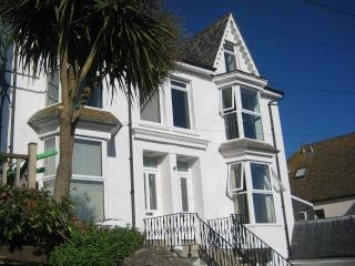 Luxury 2 Bed Apartment - Sleeps 6 - St Ives