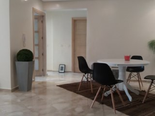 Appartement neuf: 2Bedrooms,2bath,balcony,parking, Rabat