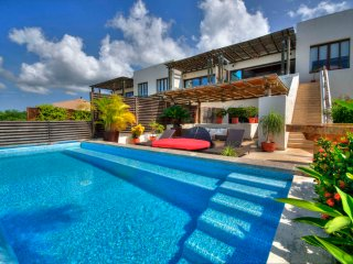 4 Bedroom Penthouse ..  Private Pool & Full Staff