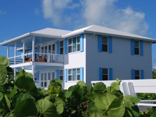 Oceanfront, Pool, Views - whats better in Hopetown, Hope Town