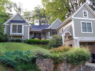 Jasmine Cottage | Private King Suite in Lewis Mtn; Walk to UVa/Scott Stadium