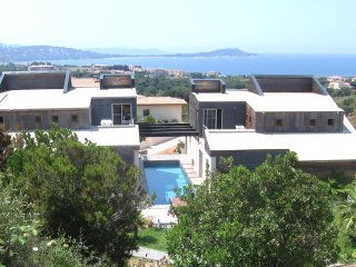 Villa avec piscine et belle vue mer  proche des plages et commerces