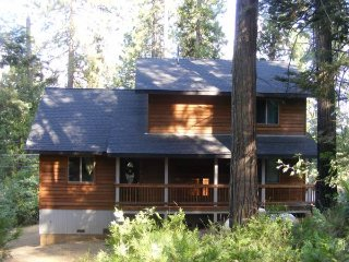 Beautiful cabin Lodge theme with comfy log beds,fu, Hathaway Pines