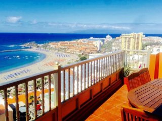 #PANTHOUSE BARRIO 28 :VIEW OVER THE OCEAN, CLOSE T, Los Cristianos