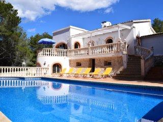 Villa con dos viviendas independientes y piscina, Benissa