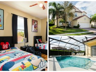 Dog Friendly 6 Bedroom Home minutes from WDW, Free WIFI south facing pool/spa