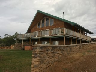 5 Bedroom Night Sky Chalet, Monticello