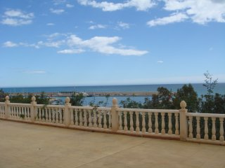 Lovely Apartment steps from the beach, Villajoyosa