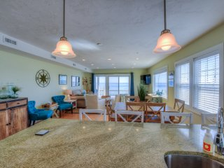 Waterfront Luxury, Fully Equipped! Booking 2017!, North Truro