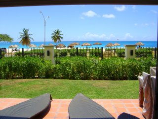Ocean Extravaganza Three-bedroom condo - E121, Palm - Eagle Beach
