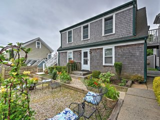 'The Cottage' Lovely 2BR Provincetown Apartment w/Wifi, Private Patio & Close to Cape Cod Pier!