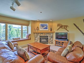 3BR Breckenridge Condo w/Mountain Views!