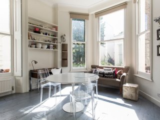 onefinestay - Clifton Gardens Studio apartment, London