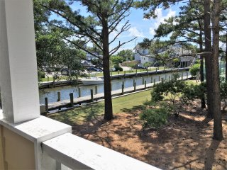 perfect condo in private community, Manteo