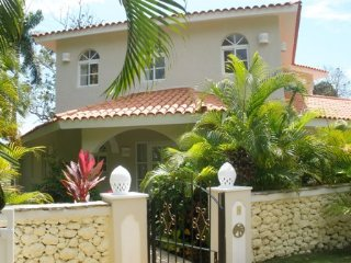 Luxury 3 Bedroom Villa **Gold Bands**, Puerto Plata