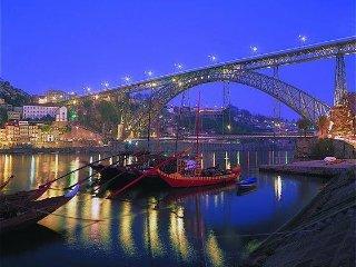 Appartement en residence fermer de 130m2 vue sur mer a 20 mm de Porto