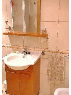 Baño con ducha y mampara