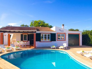 Villa Tortuga with private pool in Cala en Bosch, Cala'n Bosch