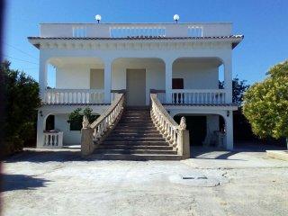 Villa immersa nelle campagne Agrigentine, Villaggio Mose