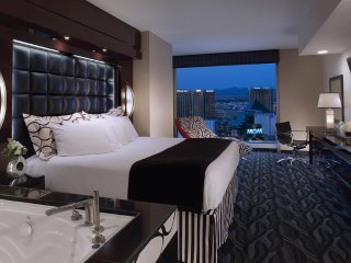 Beautiful Studio Condo for Rent with beautiful views of the Las Vegas strip.
