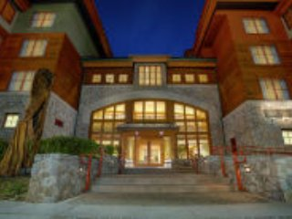MARRIOT GRAND RESIDENCE AT THE GONDOLA  SLEEPS 8, South Lake Tahoe