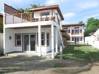 Beautiful 5 bedroom, 6 bath home on beach, Poneloya