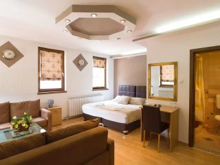 Hotel Šeher - Sarajevo Center / Bascarsija - Luxury Room with Breakfast