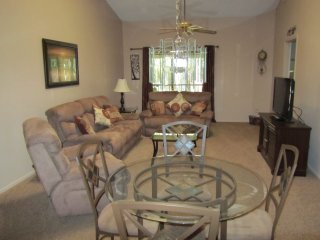 Orlando vacation 2 bed townhouse Ventura golf club