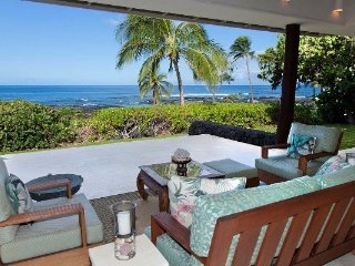 Puako Luxury Oceanfront Home Next to Paniau Beach, Waimea