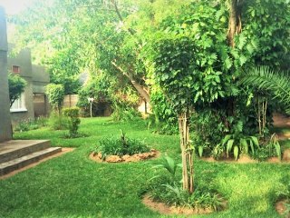 Beautiful Vic Falls Suburban Home, Cataratas Victoria