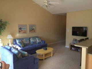 Beautiful 3bedroom Condo walk to Beach & Boardwalk, Wildwood